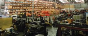 In die ruim monteeraanleg kan 'n groot voorraad onderdele geberg word en toerusting gereed gemaak word om boere se werk op die plaas makliker en lonender te maak.