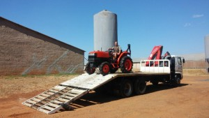 L4100 Being off loaded at Chicken Farm