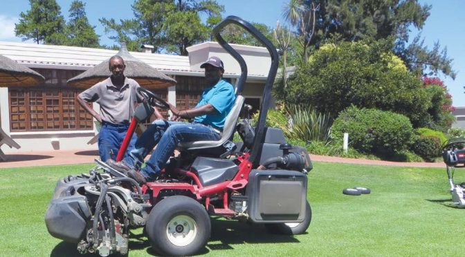 TORO – GREENS MOWING – WALK OR RIDE?