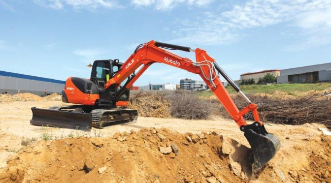 Compact Machine, Big Machine Power – Kubota KX080