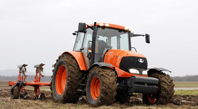 Calmax thumbs-up for Kubota M130X … reports a fuel saving of more than R130 000 per annum