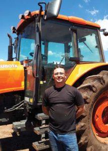 """Tony Teerink, onderhoudsbestuur-der van Synag-suiwelboerdery, sê die tegnologie in Kubota-trekkers is """"asemrowend"""""""