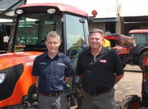 Len du Toit van Multiplant en Chris Coetzee van Maubra, die Kubotahandelaar op Brits, sê hulle is vennote wat mekaar se ondernemings ondersteun.