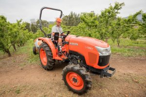 Kubota L1361 with sprayer