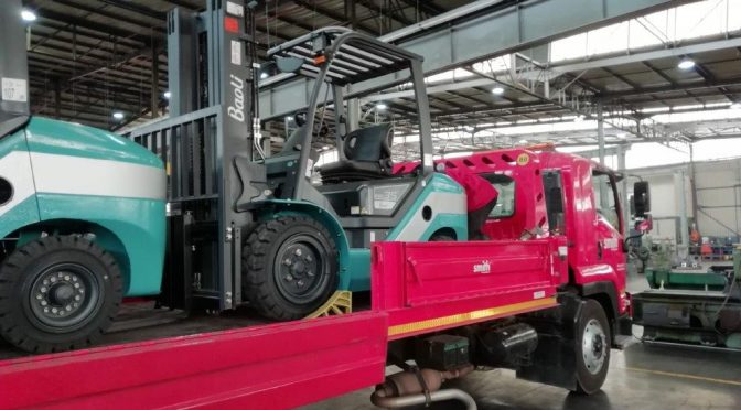 Smith supplies two Baoli forklifts to Adlam Engineering