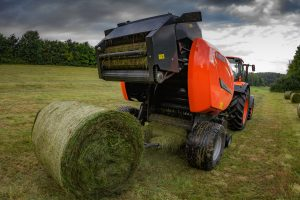The balers feature optimised design for the manufacture of heavy silage bales such as the Kubota PowerFeed intake rotor, which provides huge feed capacity handling for both wet and dry crops in all conditions.