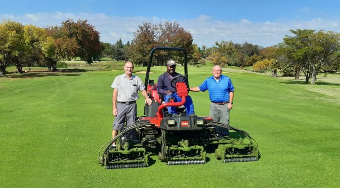 Kyalami Country Club takes delivery of its first Toro mower